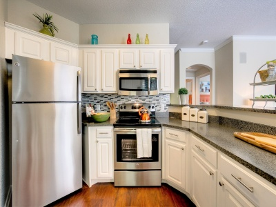 Stonebriar of Frisco fully equipped kitchen